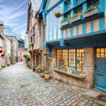 {:ru}Bienvenue en France – Добро пожаловать во Францию!{:}{:uk}Bienvenue en France - Ласкаво просимо до Франції!{:}
